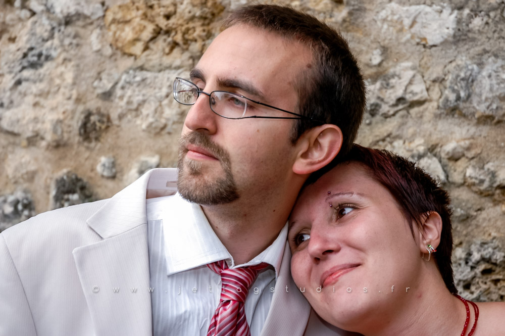 Photos de couple à Pérouges – Mariage Audrey & Julien