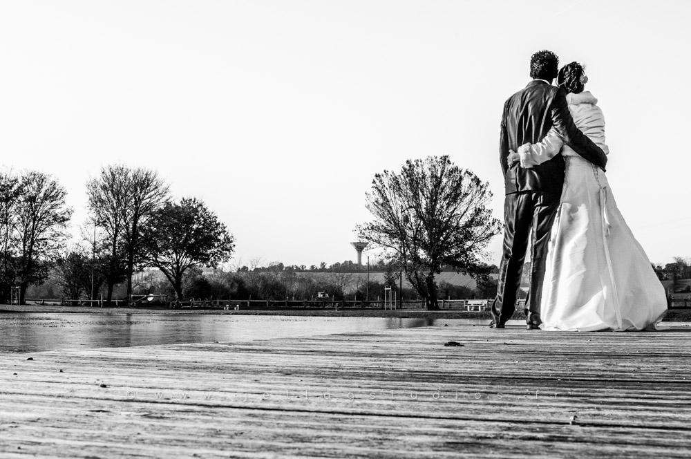 mariage-couple-noir & blanc-pas posée