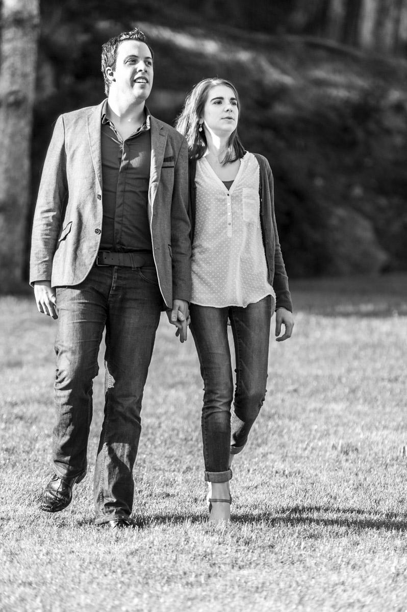 couple-marche-tenue-décontractée