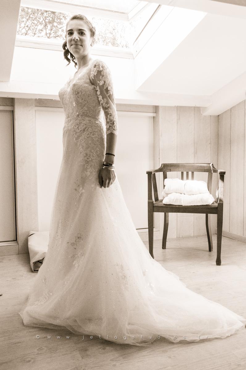 mariée-dans-sa-robe-cotière-ain